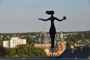 Frau im Wind in Aachen fotografiert von Frau Gipper